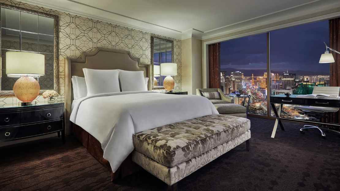 Strip-View Room