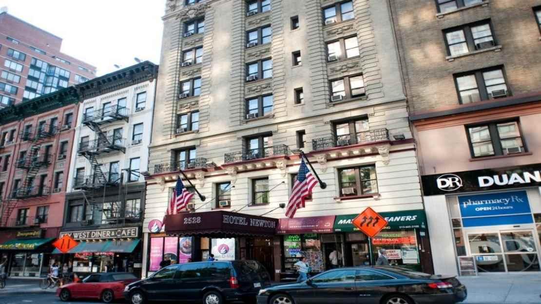 1/3   Hotel Newton - New York