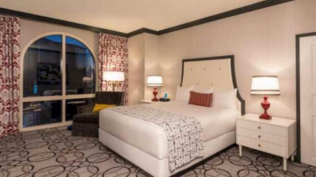 Burgundy Room 1 King