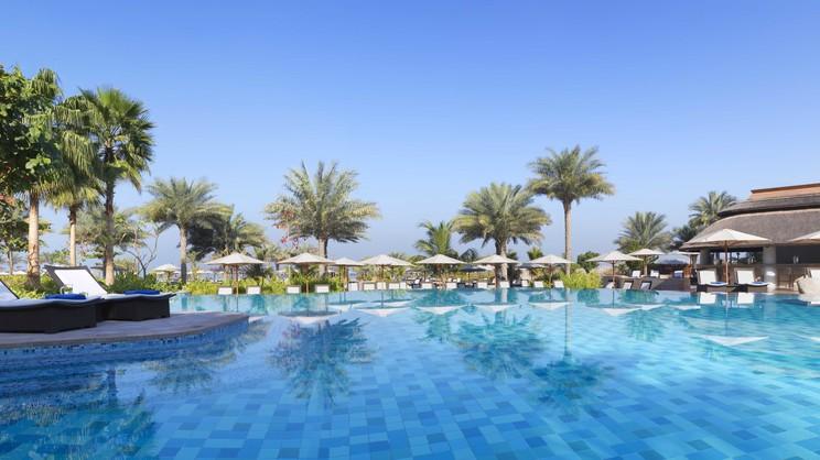 1/15   The Ritz-Carlton Dubai - Dubai