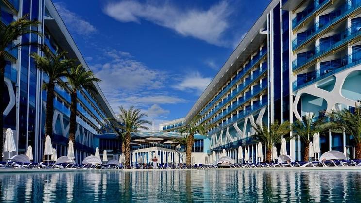 1/7  Vikingen Infinity Resort & Spa - Alanya