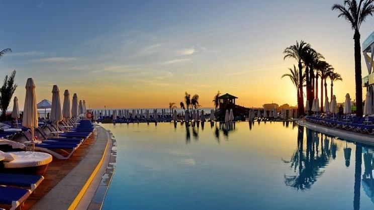 Vikingen Infinity Resort & Spa