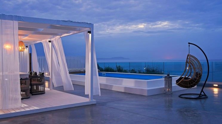 Mr & Mrs White Crete Lounge Resort & Spa