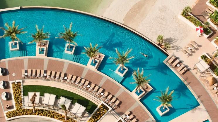 1/8  Grand Hyatt Abu Dhabi Hotel & Residence Emirates Pearl - Abu Dhabi
