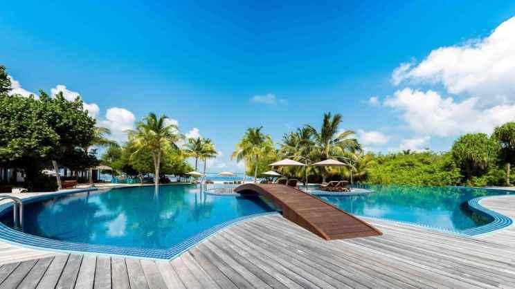 1/12  Hideaway Beach Resort and Spa - Maldives