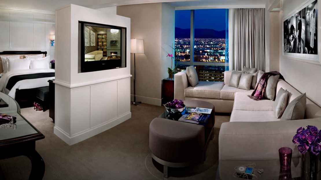 Pool King Suite (HRH All-Suite Tower)