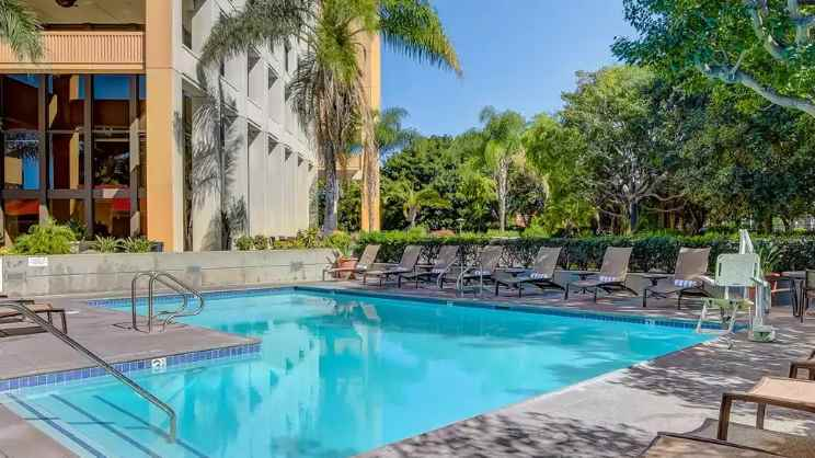 1/5  DoubleTree by Hilton Hotel Anaheim – Orange County - Los Angeles