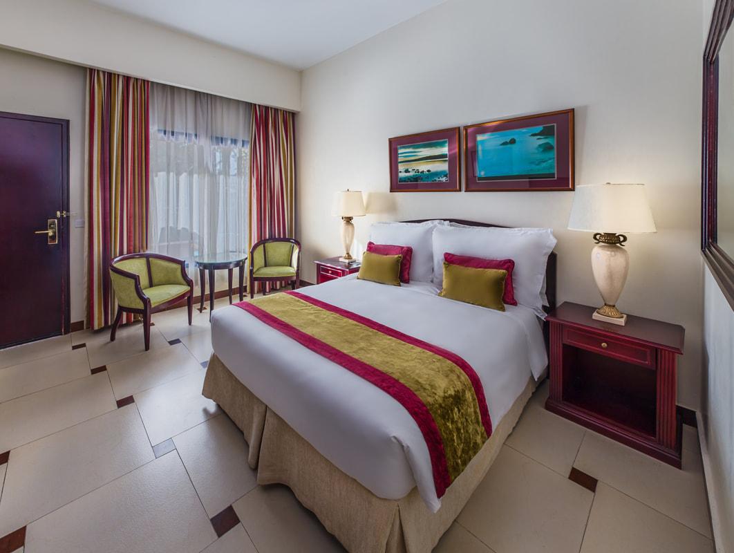 Laguna Poolside Room