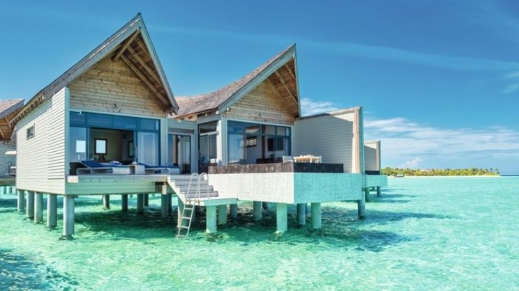 1/10  Movenpick Resort Kuredhivaru Maldives - Maldives