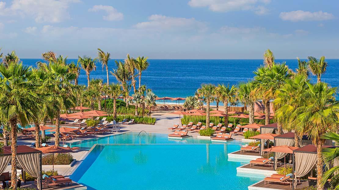 1/16  Caesars Palace Bluewaters Dubai