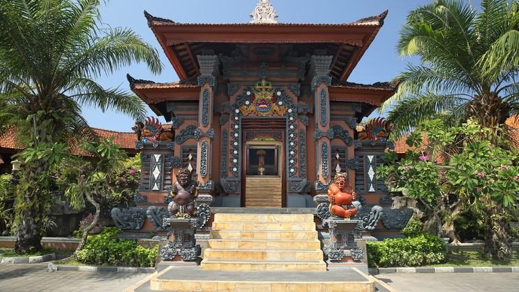 1/11  Bali Tropic Resort and Spa - Bali