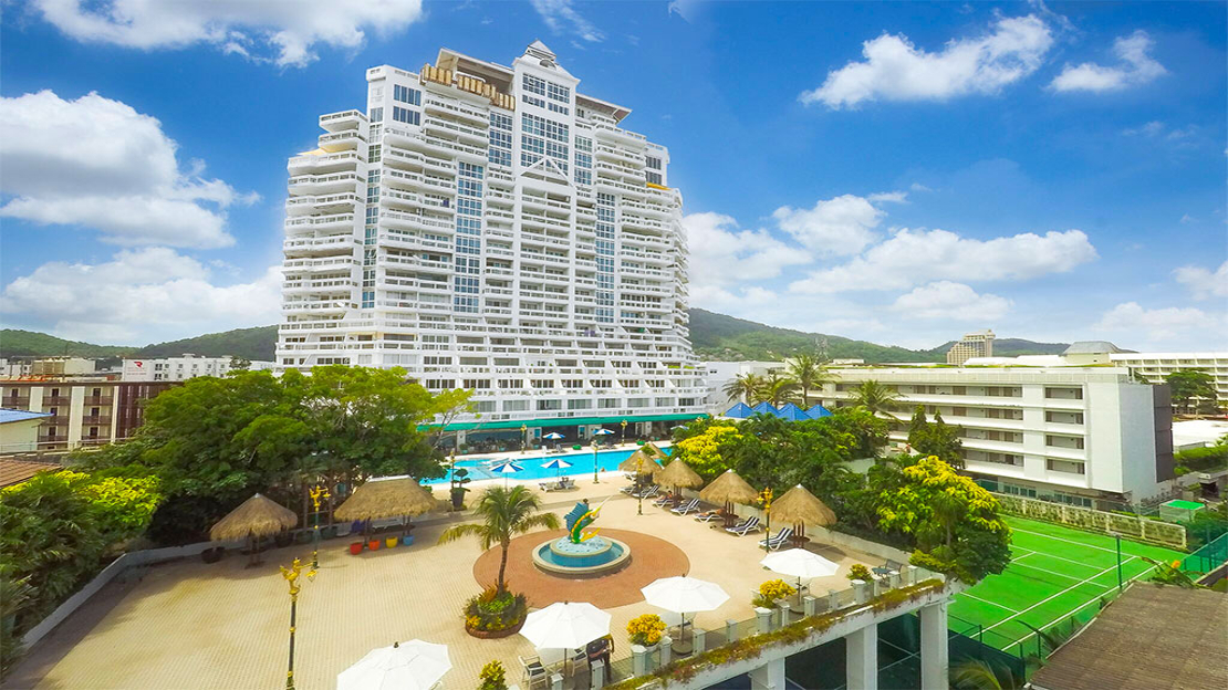 1/18  Andaman Beach Suites Hotel - Thailand