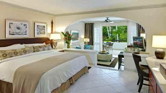 Pool/Garden View Junior Suites