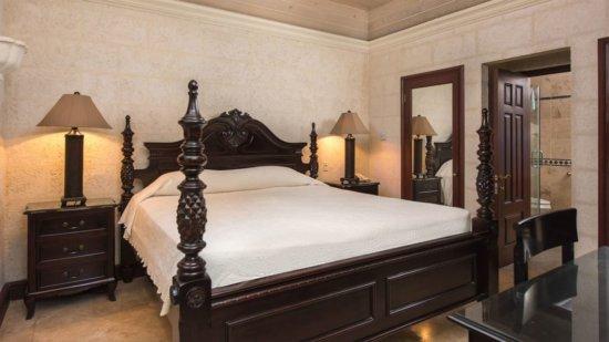 One Bedroom Standard Suite Garden View