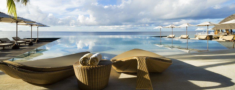 1/19  Huvafen Fushi Resort - Maldives