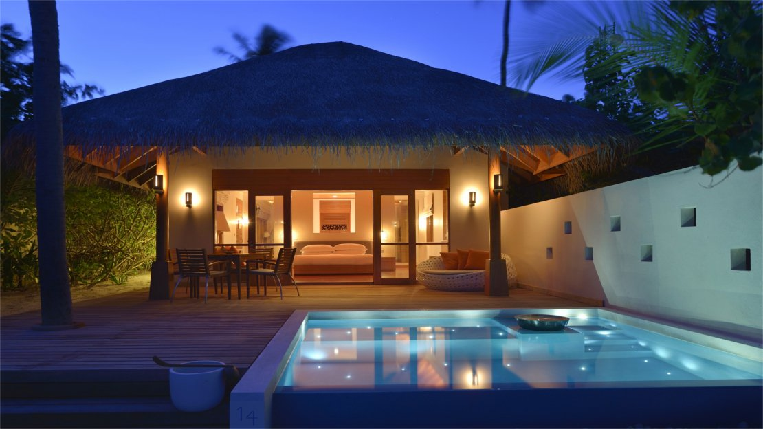 Deluxe Beach Bungalow with Pools