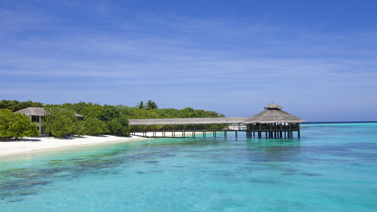 1/9  Reethi Beach Resort - Maldives