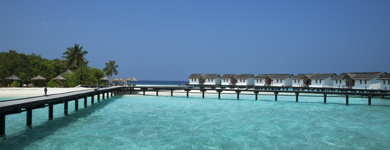 1/11  Reethi Beach Resort - Maldives