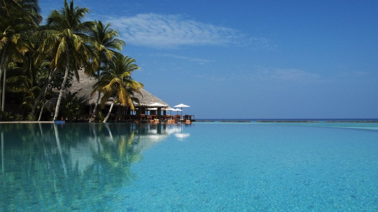 1/15  Veligandu Island Resort and Spa - Maldives