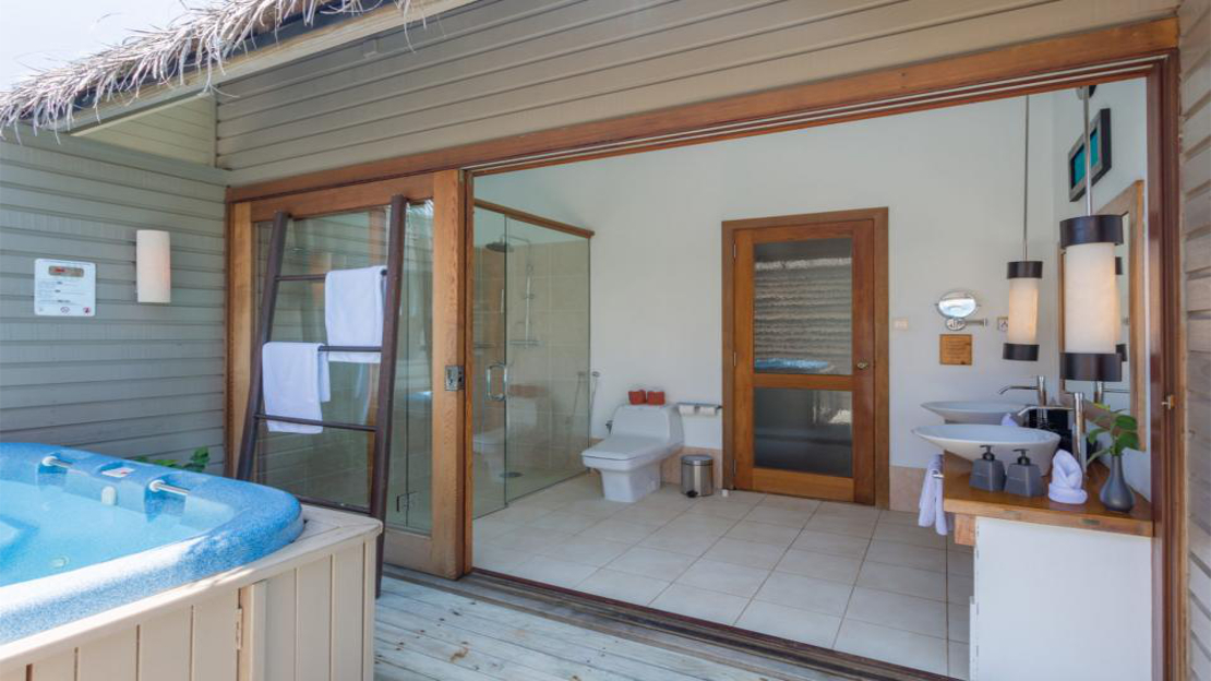 Jacuzzi Water Villas