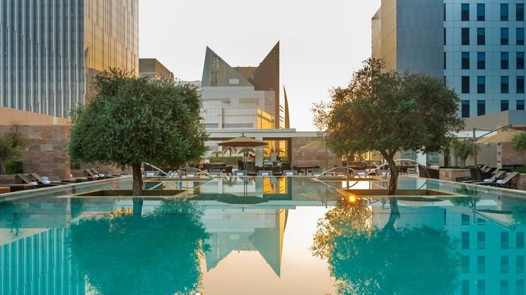 1/8  Aloft Abu Dhabi