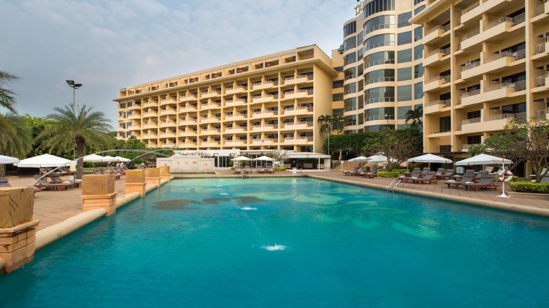 1/12  Dusit Thani Pattaya Hotel - Thailand