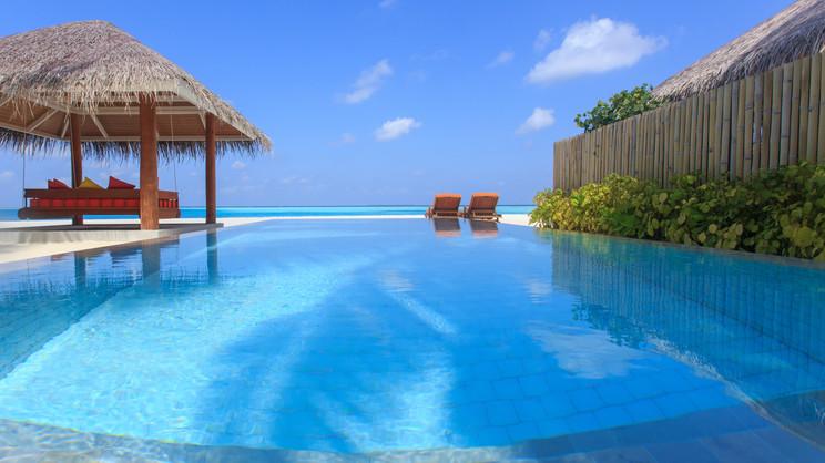 1/17  Sun Aqua Vilu Reef - Maldives