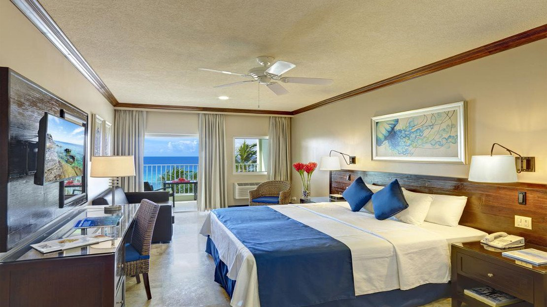 1/7  Coconut Court Beach Hotel - Barbados