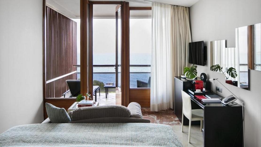 RedLevel Junior Suite with Sea View