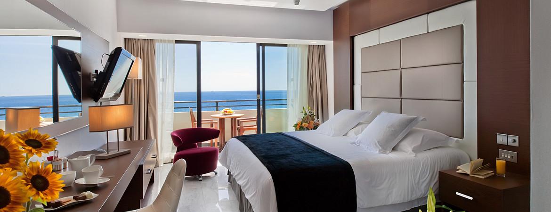 1/11  Amathus Beach Hotel - Limassol