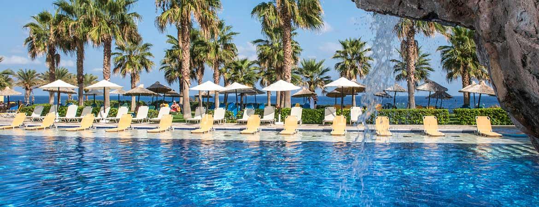 1/9  Radisson Blu Beach Resort - Crete