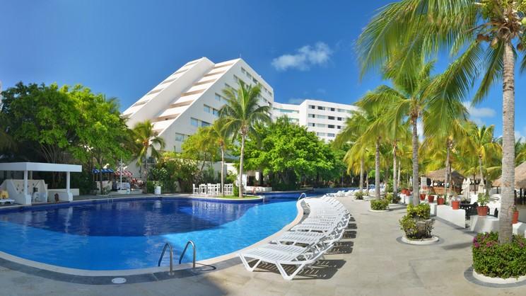 1/8  Oasis Palm - Cancun