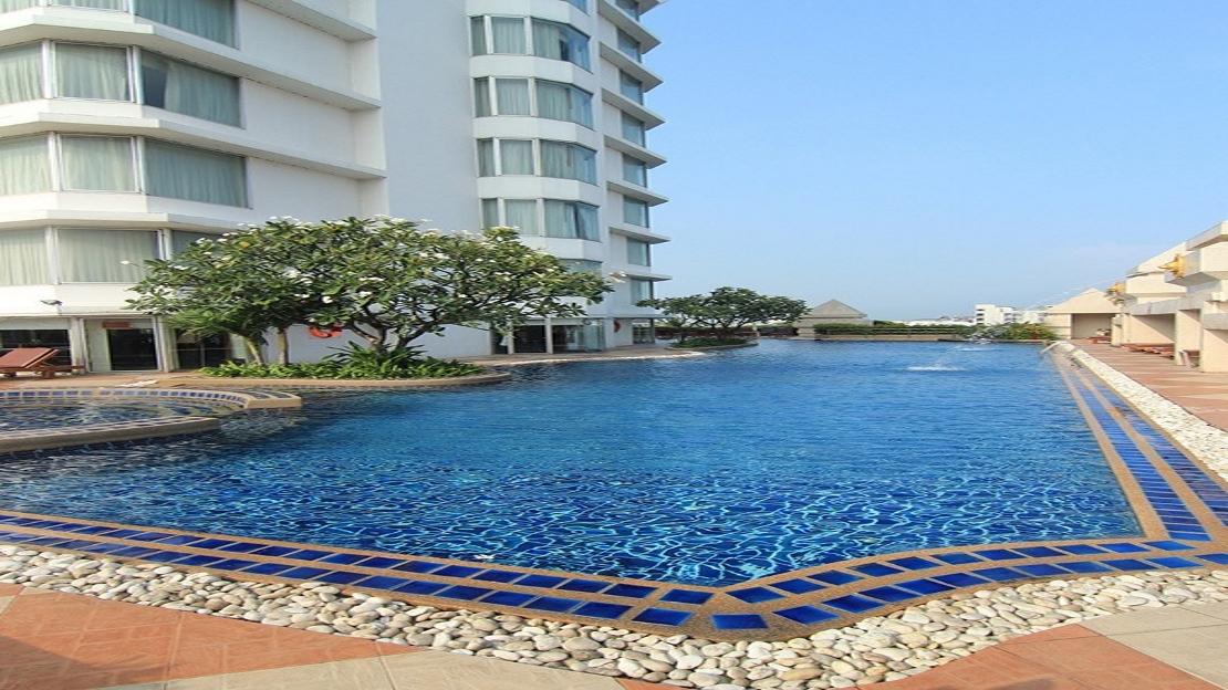 1/11  Duangtawan Hotel - Chiang Mai