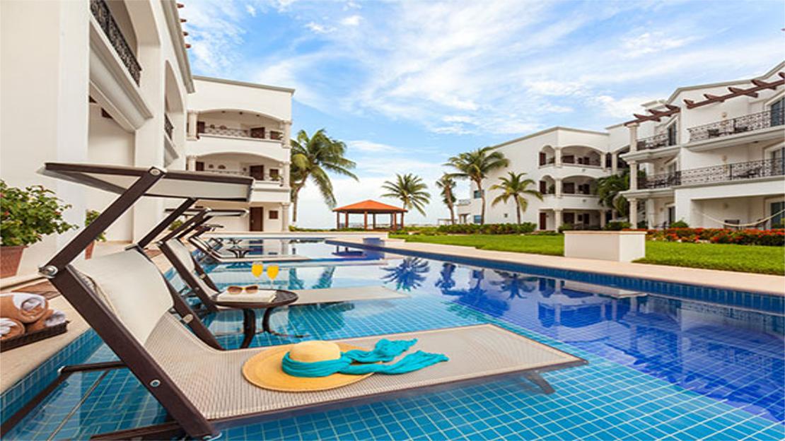 Royal Junior Suite Swim-up Ocean View