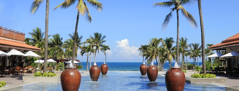 1/17  Furama Resort Danang - Vietnam