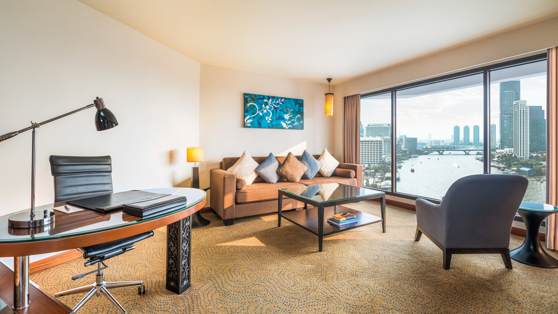 Executive Riverview Suite