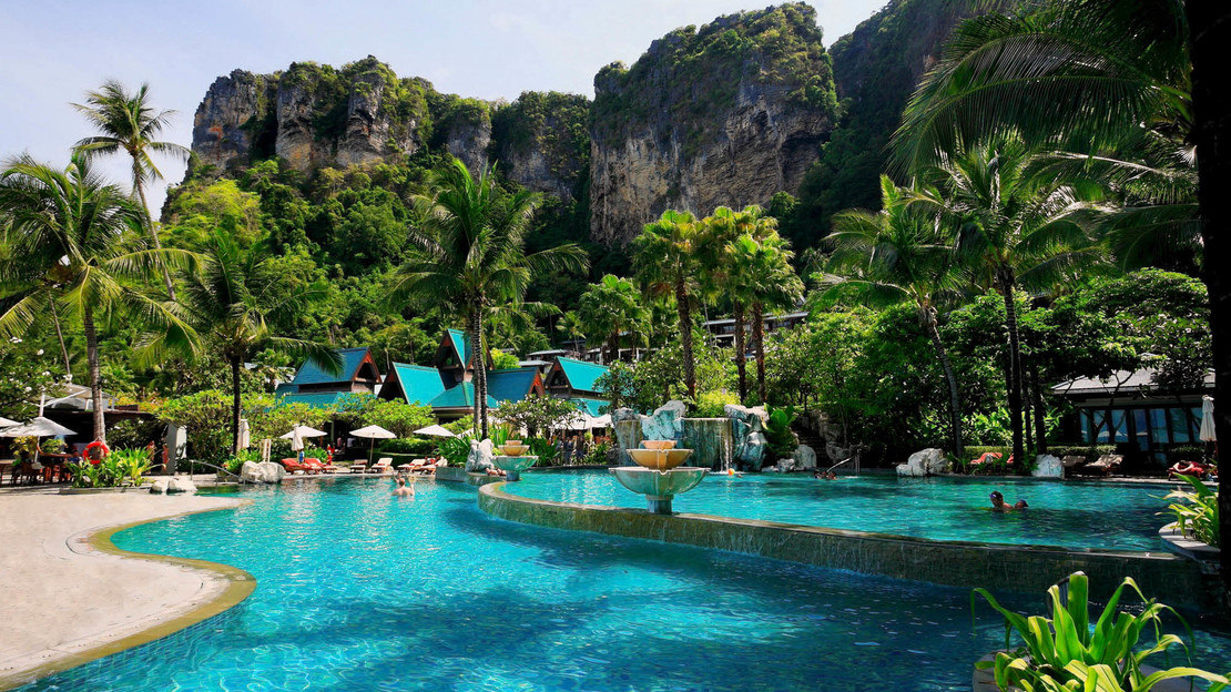 1/9  Centara Grand Beach Resort and Villas Krabi - Thailand