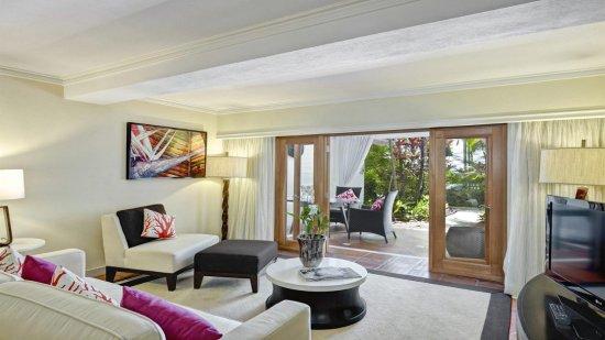 One Bedroom Pool/Garden View Suite