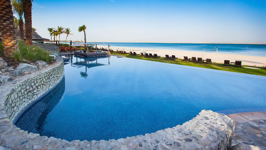 1/7  Beach Pool - JA Palm Tree Court, Dubai