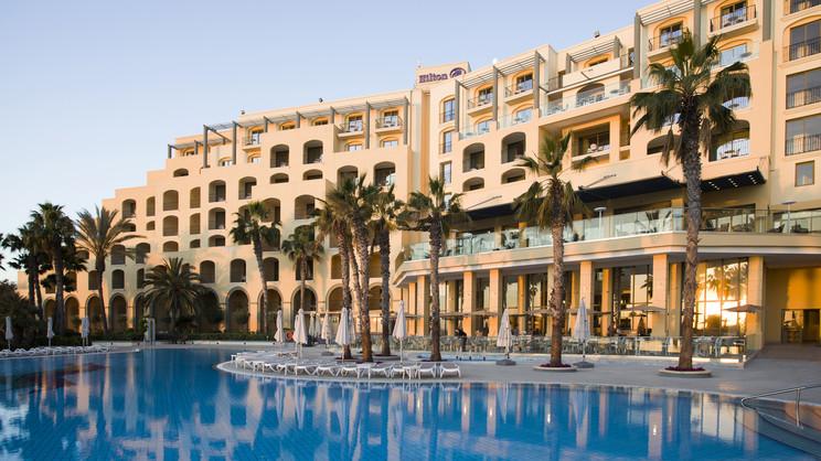 1/12  Hilton Malta