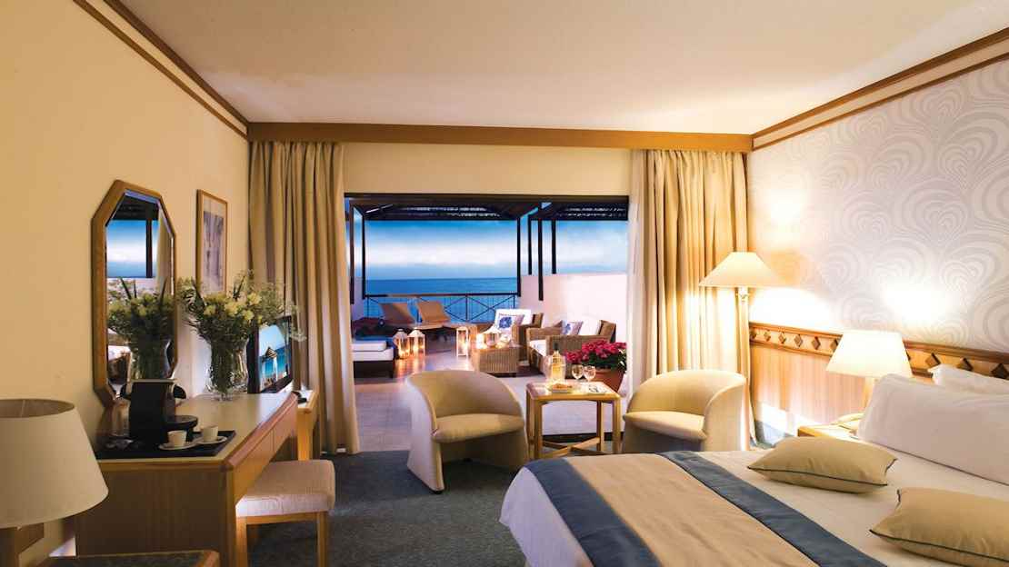Executive Suites Front Sea View