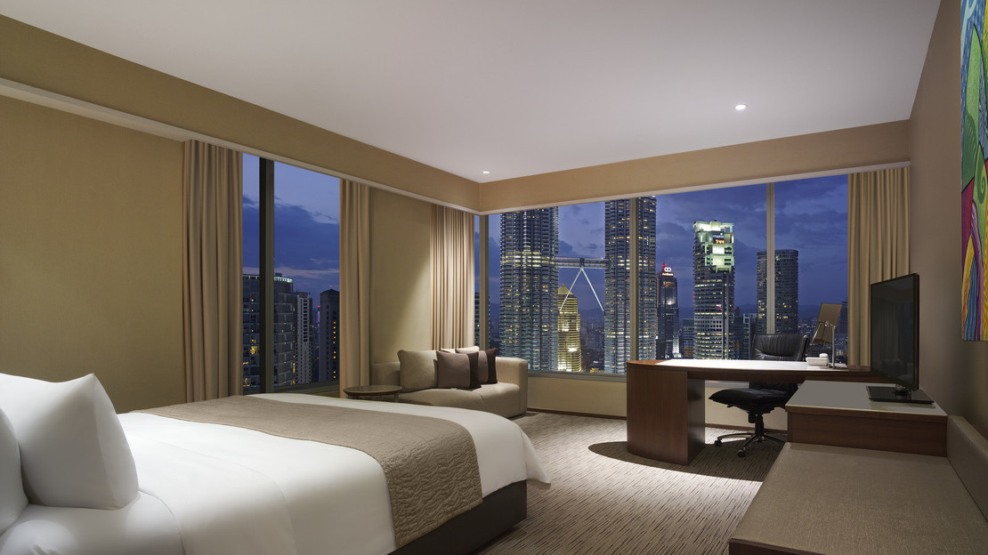 Executive Twin Towers View Room
