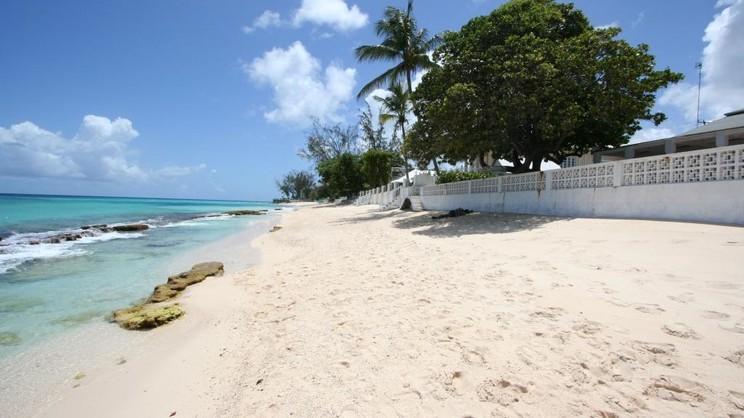 1/9  Worthing Court Apartment Hotel - Barbados