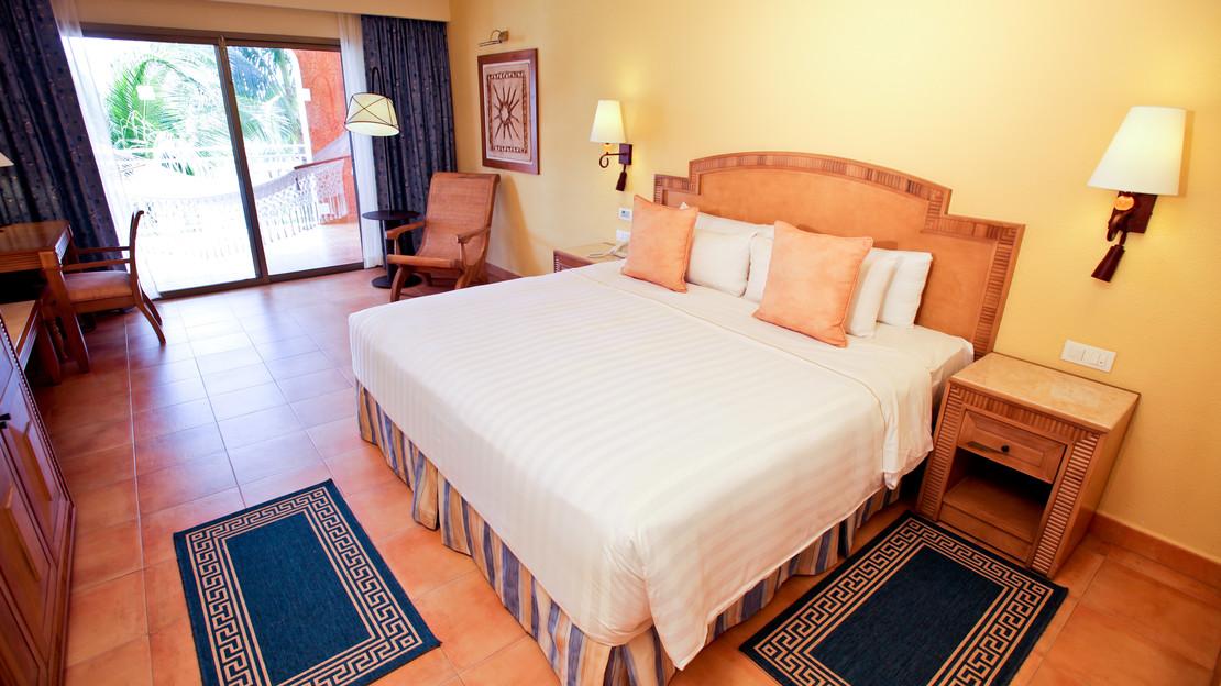 Premium Level Ocean Front Suite