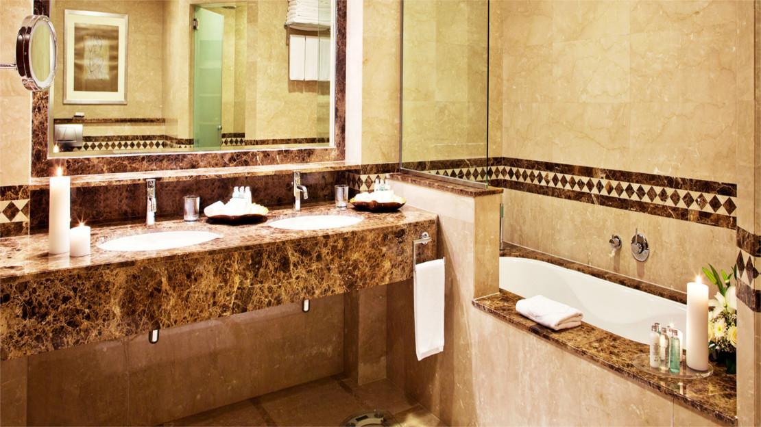 Al Dhow Suite