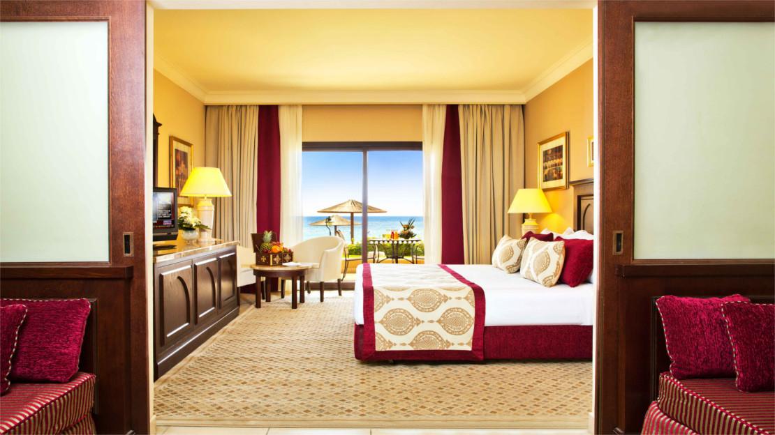 1/8  Miramar Al Aqah Beach Resort - Fujairah