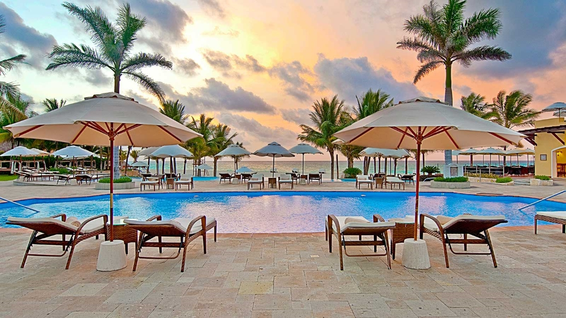 1/9  Royal Hideaway Playacar - Mexico