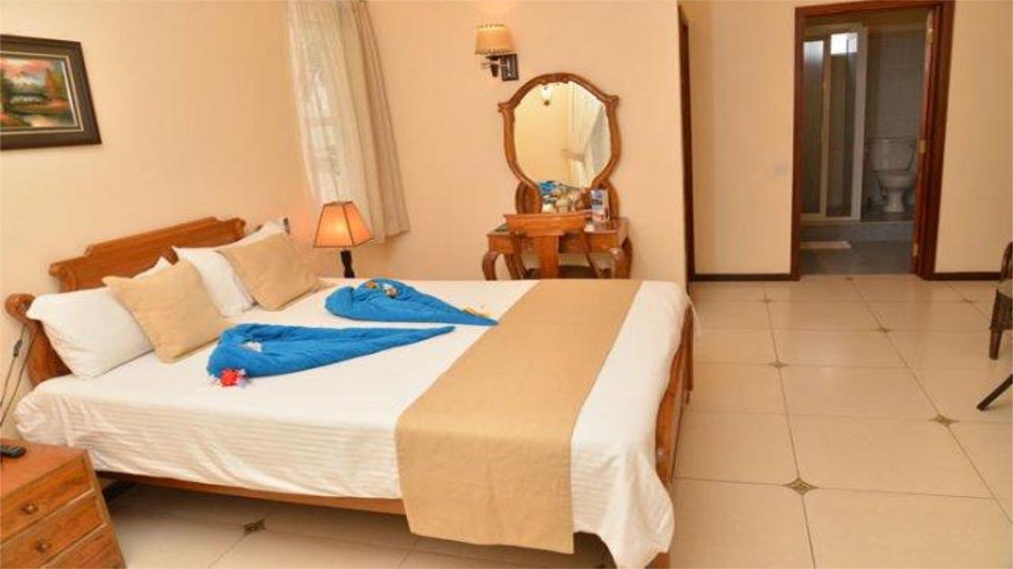 1/3  Le Palmiste Resort and Spa - Mauritius