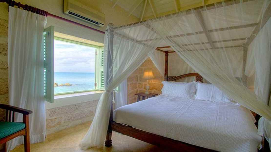 Three-Bedroom Oceanfront Fort Suite