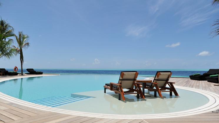 1/9  Komandoo Island Resort - Maldives